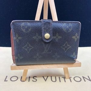 LV1079 Monogram Kisslock Wallet